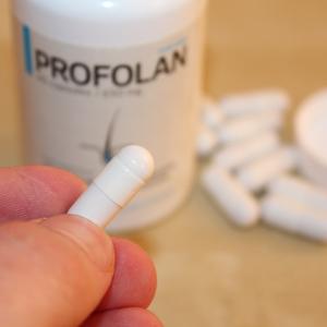 Tabletki Profolan dla kobiet i mężczyzn dawkuje się 2 tabletki dziennie